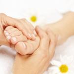 Hamilelikte ayaklarınızın şişmesini engellemeye yardımcı 7 öneri